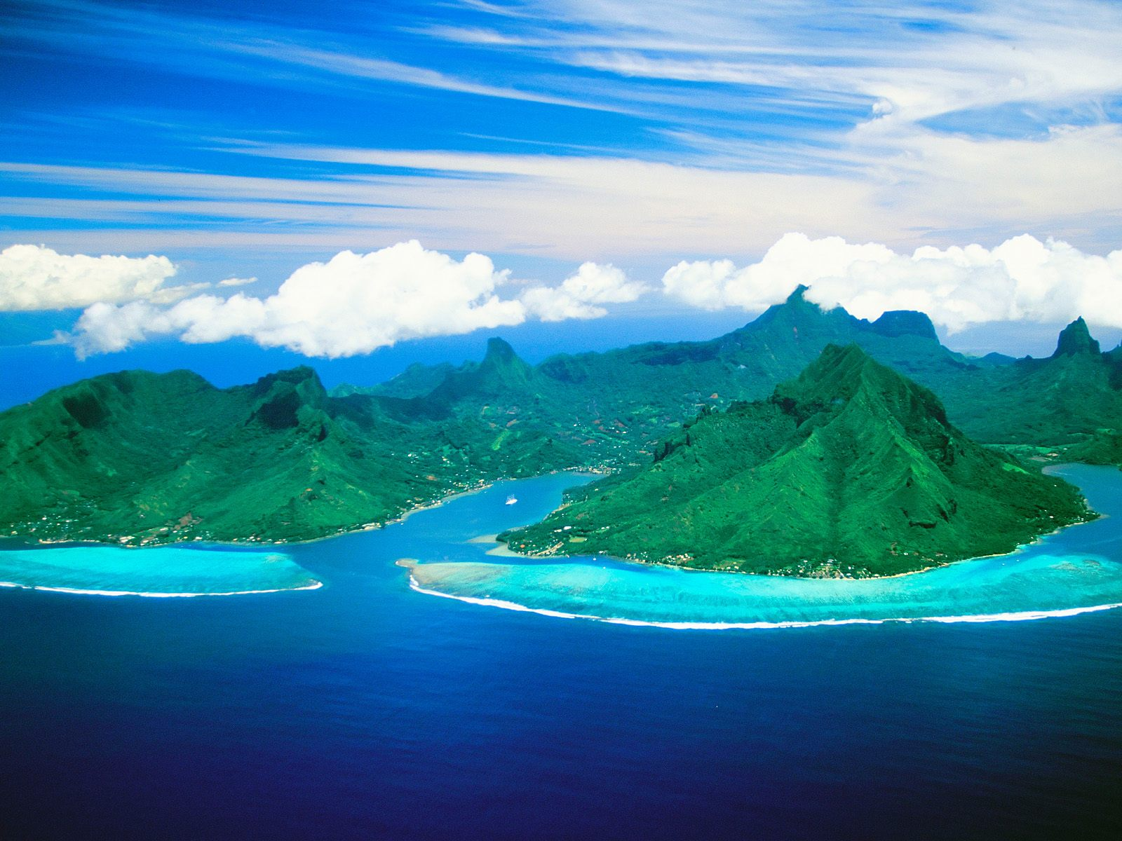 moorea_french_polynesia_cooks_bay_and_opunohu_bay1